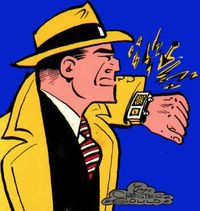 Dick-Tracy-Wrist-Radio-looking-left-718949
