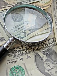 Magnifying glass money(2)