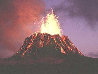 Volcano_hawaii_kilauea_puu_oo