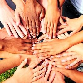 3376141_hands_teamwork